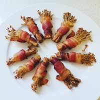 bacon-wrapped enoki mushrooms