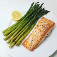 pan-seared salmon w/ oven-roasted asparagus